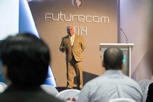 Eng. Juan Carlos Atrio apresentando o case no evento Futurecom